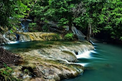 waterfall-2811052_640