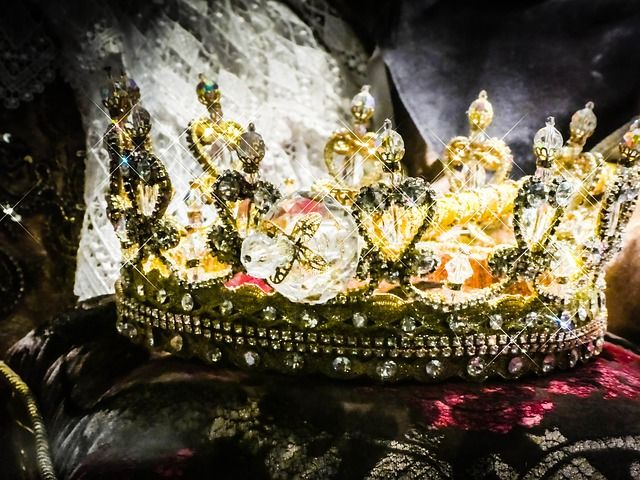 crown-2661334_640