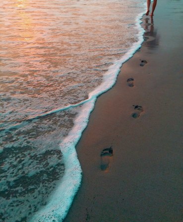 Beach footprints