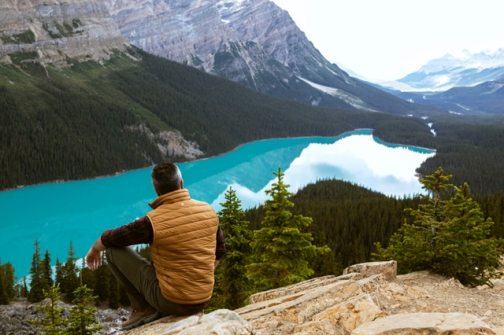 man-sitting-near-lake-3572740